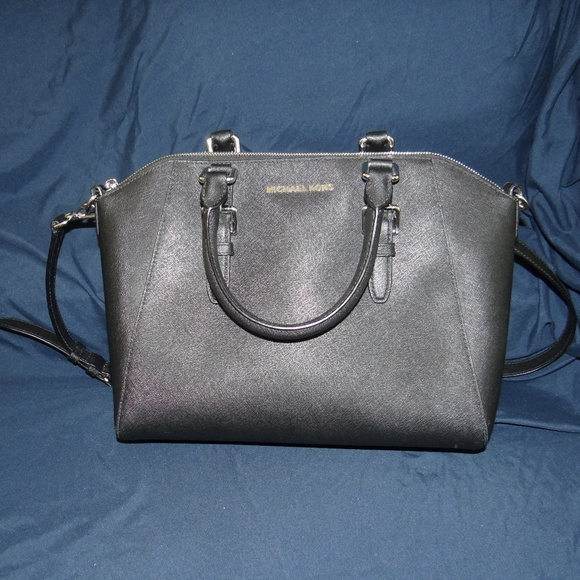 25f836029799 Michael Kors Ciara Large Leather Black Satchel. M 5b466acb6a0bb75a5c93d6de